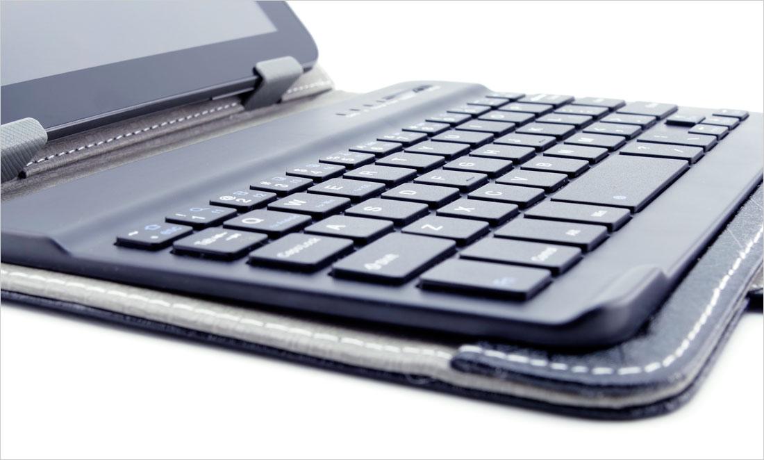etui do tabletu 7-8 cali z doczepianą klawiaturą