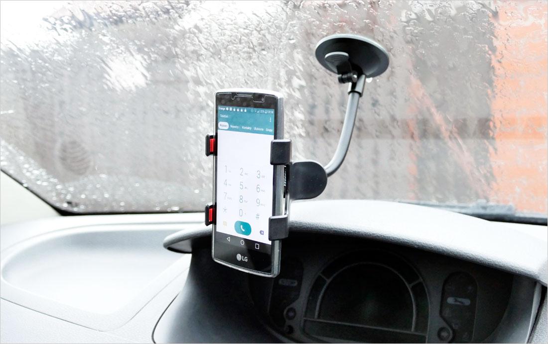 elastyczny uchwyt na telefon do samochodu
