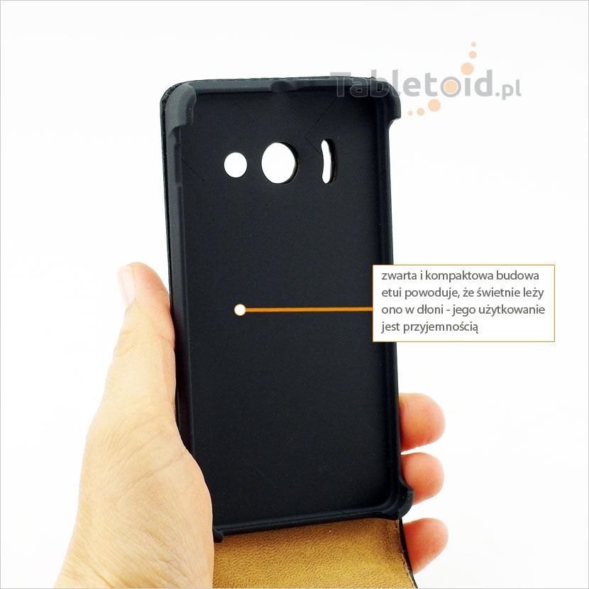 Pokrowiec do telefonu Huawei Ascend Y300 doskonale trzyma się w dłoni