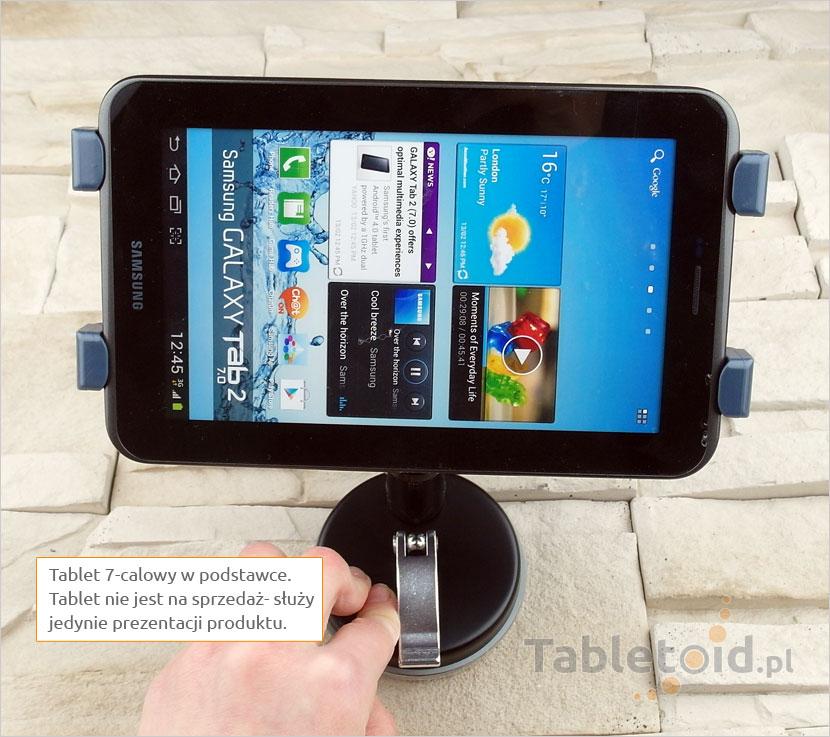 tablet 7-calowy w uchwycie