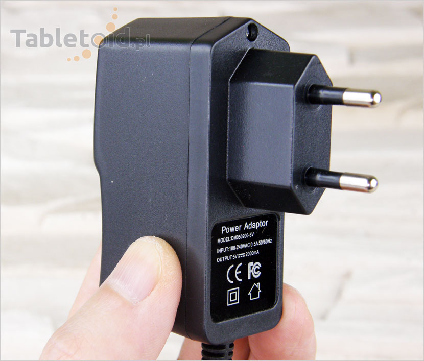 Ładowarka sieciowa do tabletu 5V 2A wtyk 2,0 mm